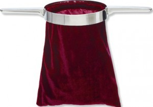 Bolsa para ofrenda con doble mango de metal. Rojo