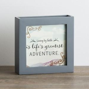 Caja con 52 mensajes Joy. Madera