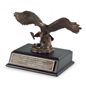 Escultura Águila. Pequeña. Resina moldeada a mano/MDF